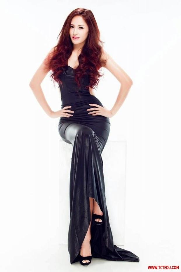 Hoa hậu Mai Phương Thúy trong sáng và gợi cảm