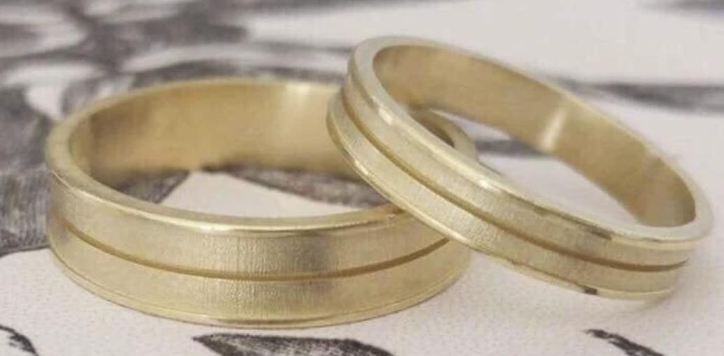 gold wedding band set