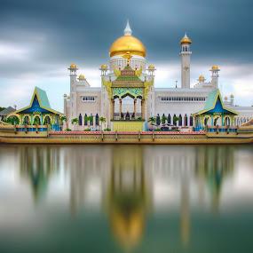 The lagoon of SOAS Mosque by Mohamad Sa'at Haji Mokim - City,  Street & Park  Historic Districts ( water, building, lagoon, mosque, worship )