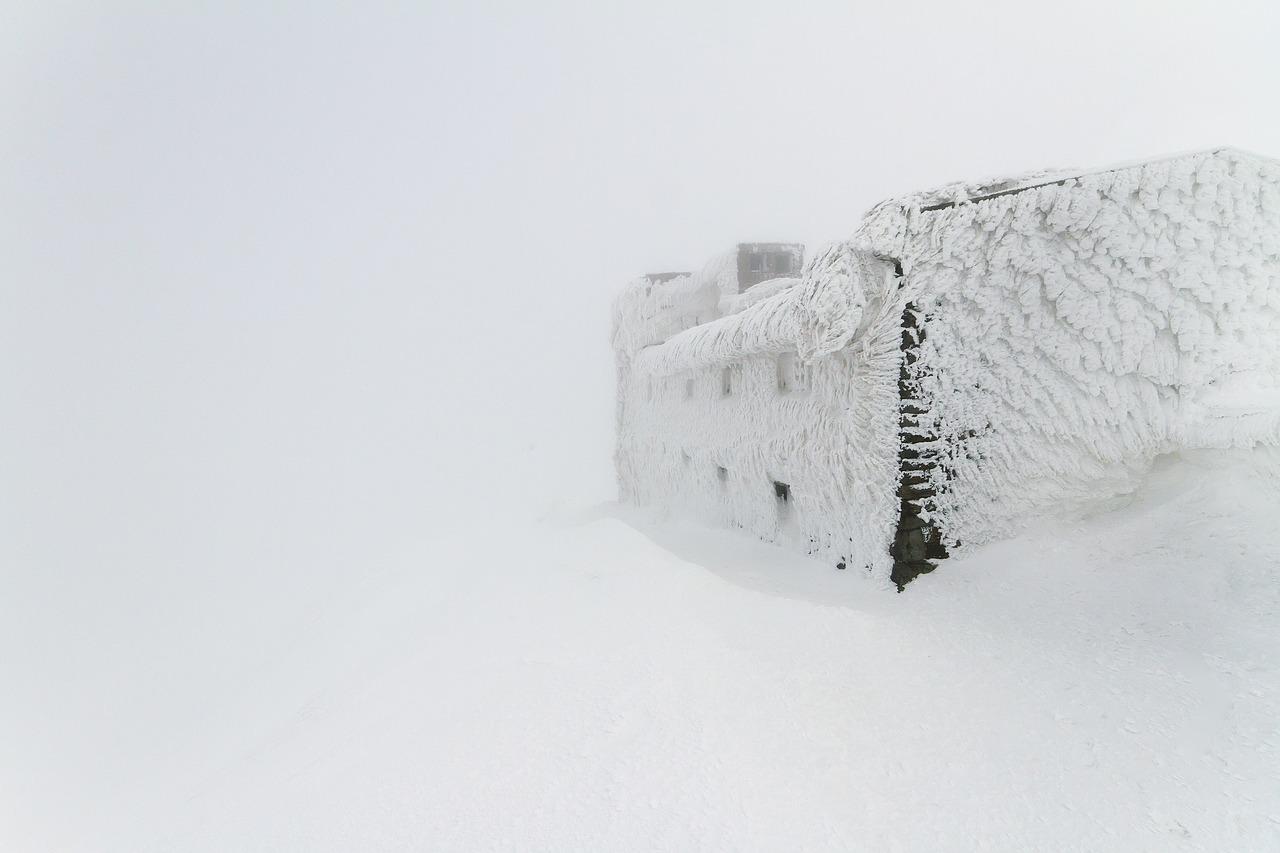blizzard-1082065_1280.jpg
