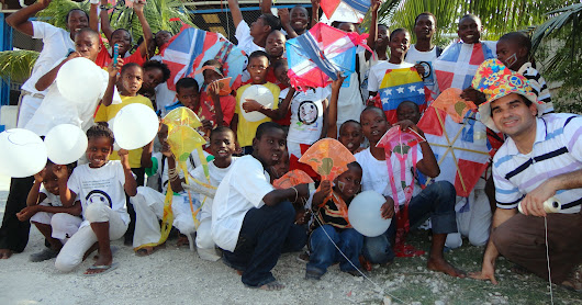 Civil Dialogue in Haïti: Viva Rio - Talking Kites, Puppets and Capoeira (2013)