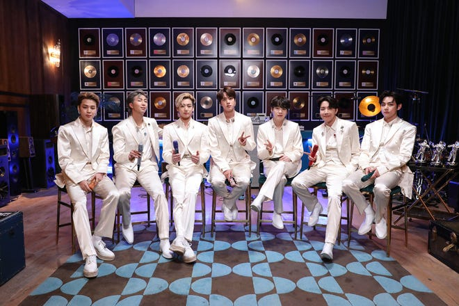 c2667198-6fe9-4485-8abf-f560b19284ce-MTV_Unplugged_Presents_BTS