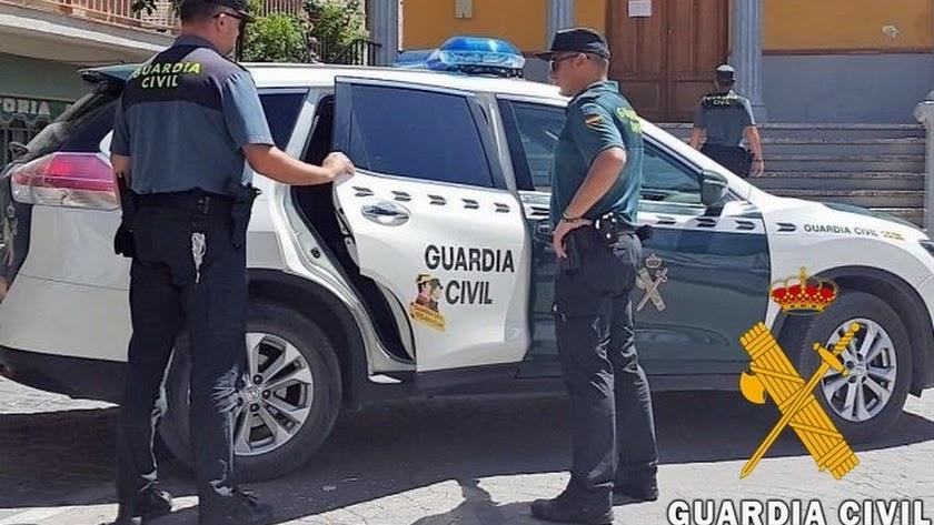 La Guardia Civil da con los presuntos autores de los hechos.