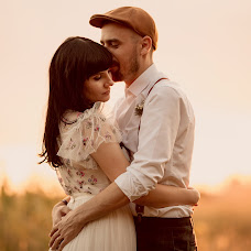 Wedding photographer Simona Toma (JurnalFotografic). Photo of 11.09.2019