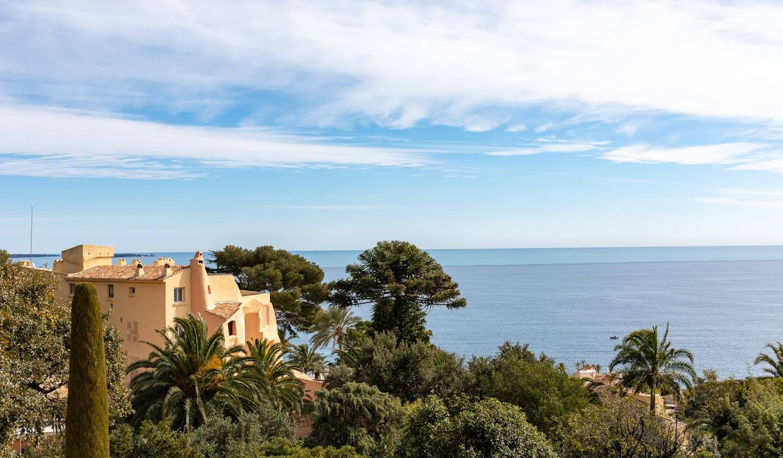 Appartement avec terrasse et piscine Theoule-sur-mer
