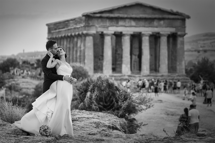 Fotografo di matrimoni Giuseppe Terrana (giuseppeterrana). Foto del 18.10.2017