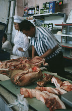 Photo: 03087 ウランバートル/風景/ダライ・エージ(海の母)/食料品専門の市場/肉屋