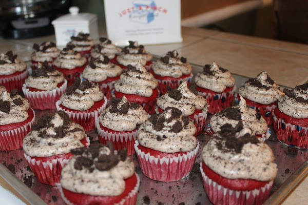 Top with extra Oreos sprinkle chunks you set aside.