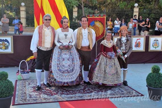 Homenaje de la Agrupación de Fallas Camins al Grau a la Senyera