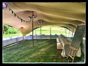 Photo: Weddings under a freeform tent