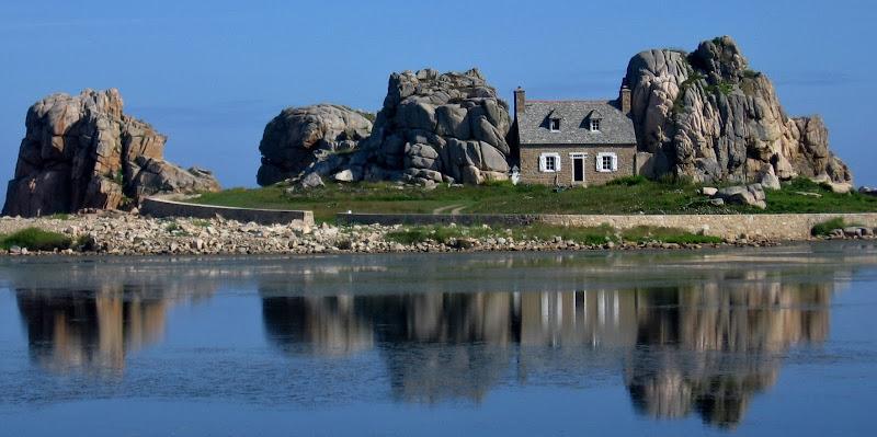 La famosa casina fra le rocce in Bretagna di Giorgio Lucca