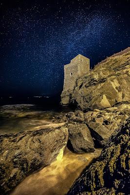 La torre delle Ciavole sotto una timida via lattea  di Michele Mirti della Valle photo's