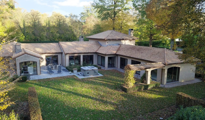 Villa avec piscine et terrasse Enghien
