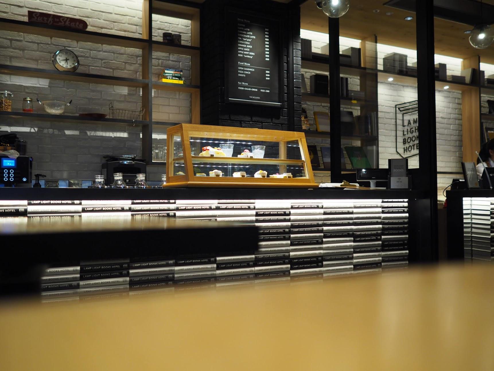 カフェのカウンター