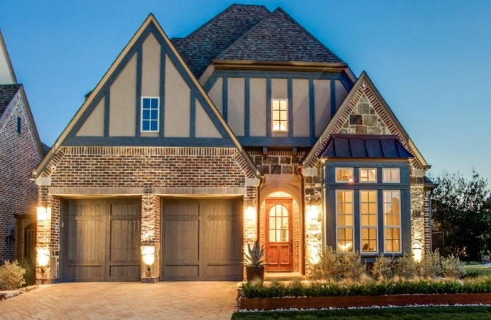 Home in Las Colinas neighborhood of Irving, TX