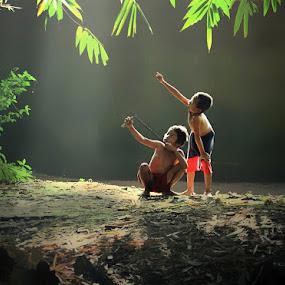 hunting by Lilik Hariadi - Babies & Children Children Candids ( children )