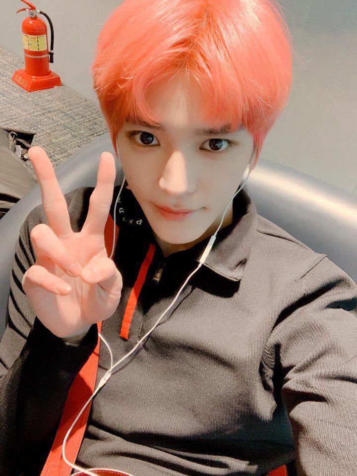taeyong pinky (1)