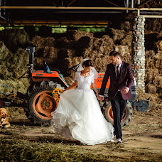 Wedding photographer Hermina Posta (inspirephotoro). Photo of 23.10.2018