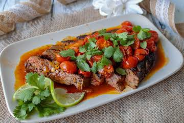 Awesome Skirt Steak With Coffee Rub & Tomatoes