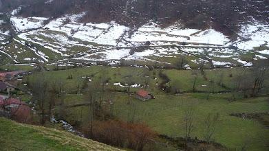 Photo: Una vista hacia atrás, el pueblo de Tuiza de Arriba