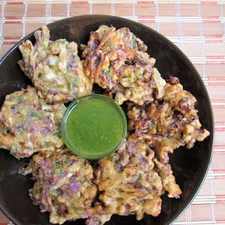 Easy Cabbage Pakora/Badhakopi Pakora.