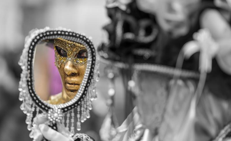 Specchio .... complice di vincenzo Lavorante