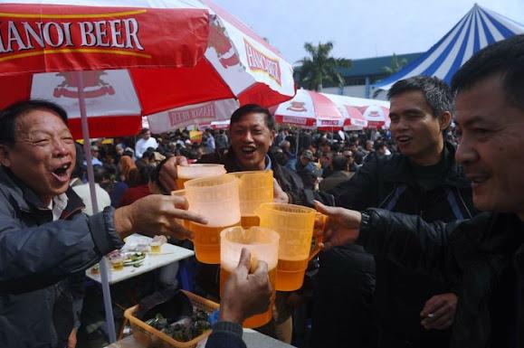 Việt Nam nhất thế giới về gia tăng uống bia rượu