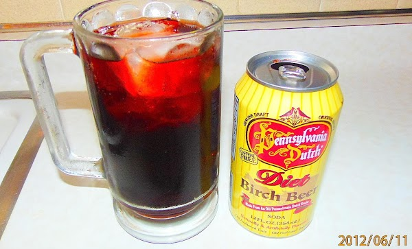 We also had drinks in frozen mugs filled with Birch Beer from Amish Country....