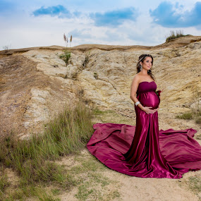 Maternity by Michal Challa Viljoen - People Maternity ( red, nature, makeup, pregnancy, pregnant, photoshoot, pretty, photography,  )