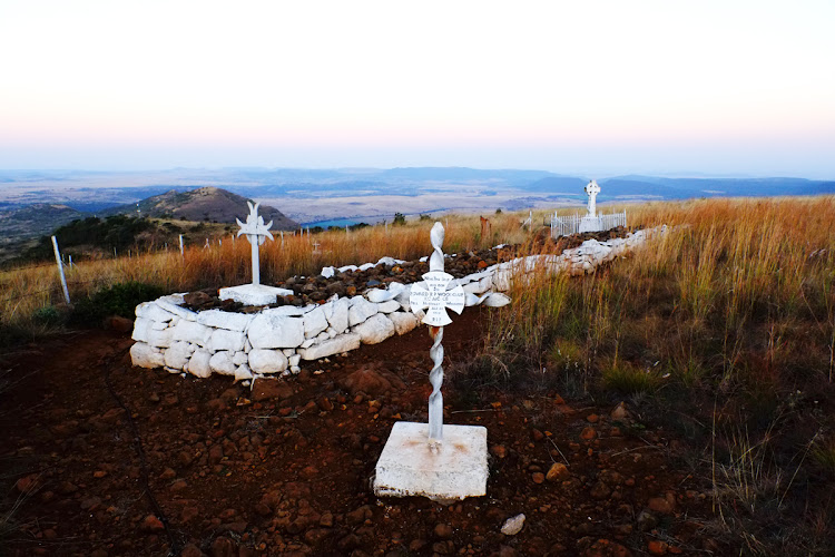 Graves mark the site where the Battle of Spioenkop took place.
