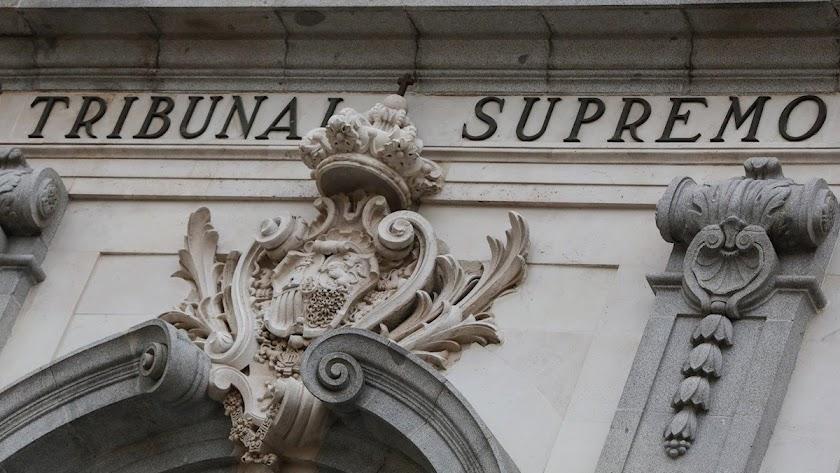 El Supremo confirma tres años de cárcel a un ex guardia civil de Almería que prostituyó a una mujer bajo amenazas.