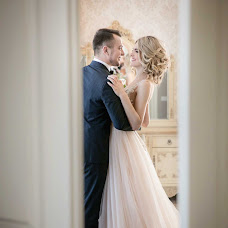 Wedding photographer Anna Dombrovskaya (AnnaDombrovska). Photo of 19.04.2017