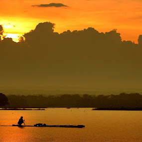 go home by Gedion Kristianto - Landscapes Waterscapes