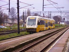 Photo: Węgliniec: Na tor przy peronie 4 wjeżdża SA132-002 ze Zgorzelca do Jeleniej Góry