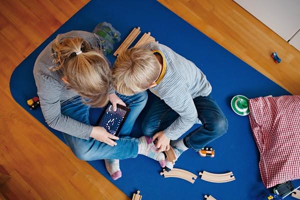 Wie Eltern und Erzieher Kinder in die digitale Welt bringen