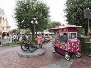 Photo: Disneyland - entrance square