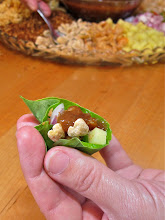 Photo: a sample miang kum mouthful