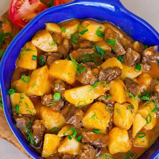 Жаркое – Stewed Beef & Potatoes.