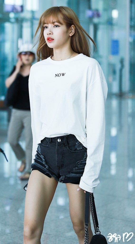 [180808] LISA at ICN Airport #kpopfashion [180808] LISA at ICN Airport