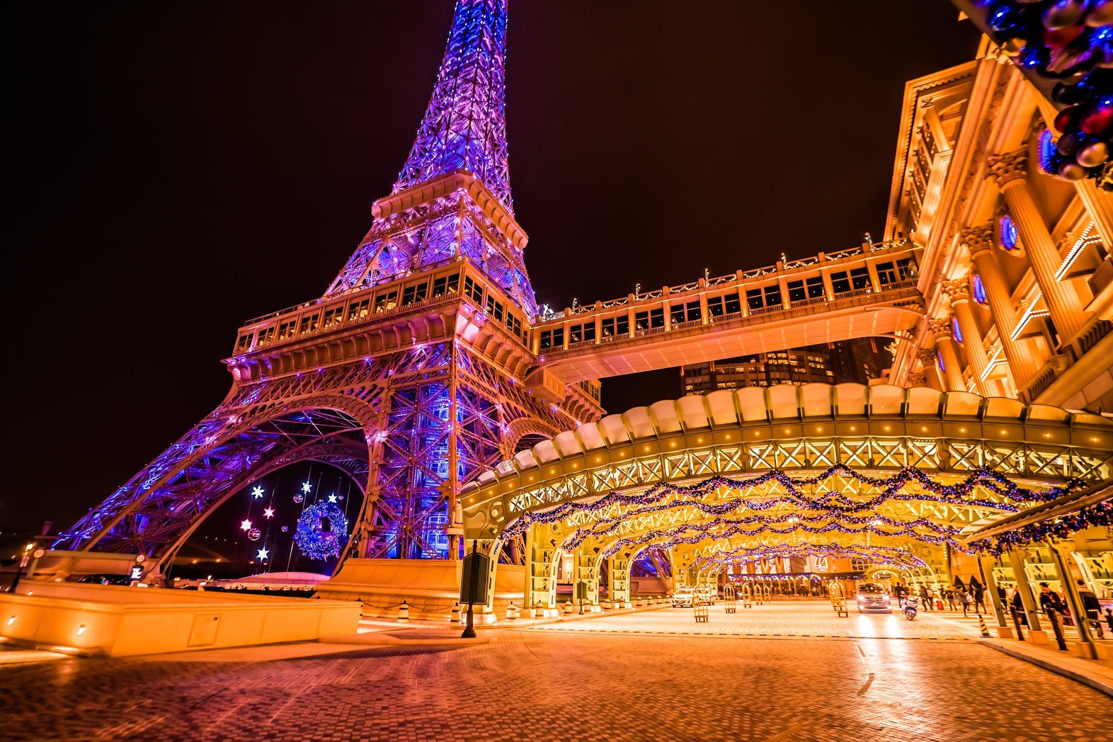 Parisian Macao Eiffel Tower light-up3