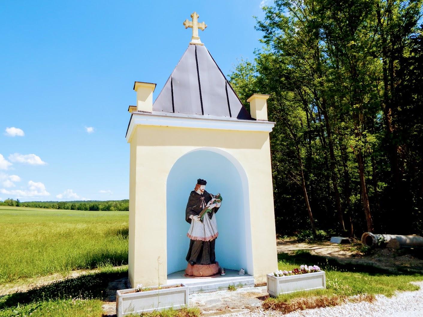 Dobrovnik (Dobronak) - kapelica sv. Janeza Nepomuka (Nepomuki Szent János-kápolna)