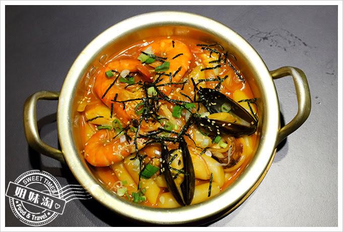 玉豆腐海鮮辣炒年糕