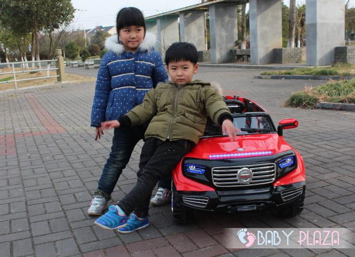 Ô tô điện trẻ em SX-1528 4 cửa mở 2