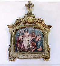 """Photo: *X. stáció: Jézust megfosztják ruháitól  """"Szétosztották egymás között ruháimat és köntösömre sorsot vetettek"""" (Zsolt 21, 19)"""