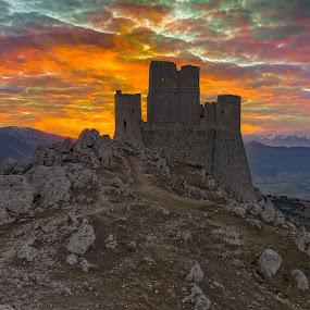 Rocca Calscio by Eric Niko - Landscapes Sunsets & Sunrises ( castle, rocca calascio,  )