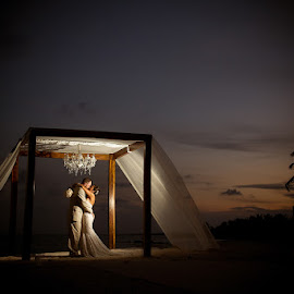 by Sascha Gluck - Wedding Bride & Groom