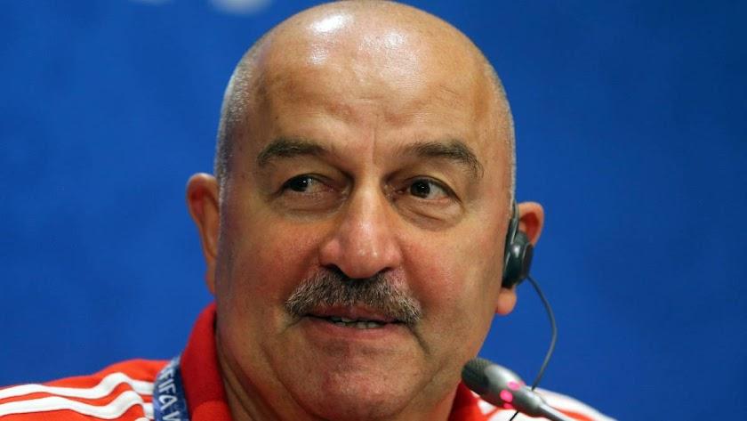 El seleccionador ruso habla de La Roja de Hierro.