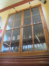 Photo: Vitrina y botellas Bar Restaurante Cordano Centro de Lima Mayo - 2014