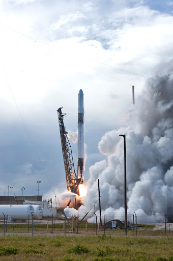 SpaceX CRS-14 Liftoff
