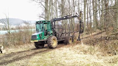 Photo: Ein Harvester macht Pause.